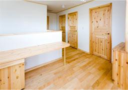 無垢の床材、室内ドア